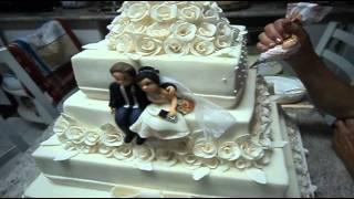 Bolo de Casamento feito pela Confeiteira e Doceira Julia M.Guerra Resende