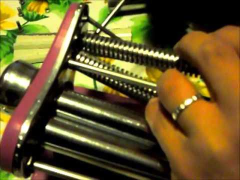 Pulire la macchina della pasta youtube for Piani per la macchina
