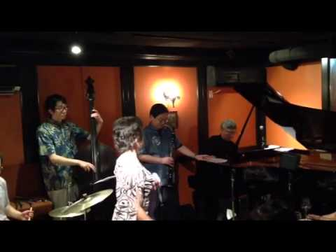 Twilight Special Jazz & Bar em's Pro-Ama Quartet (e-PAQ) on 12 July 2014( Heart And Soul )