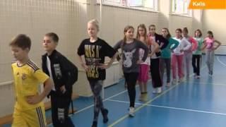Физкультура по-украински: школьникам дважды за урок измеряют пульс