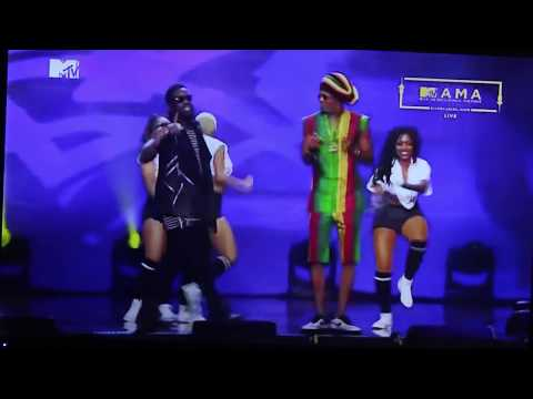 Patoraking & Sarkodie  No Kissing Ba  on stage MTV MAMA 2016