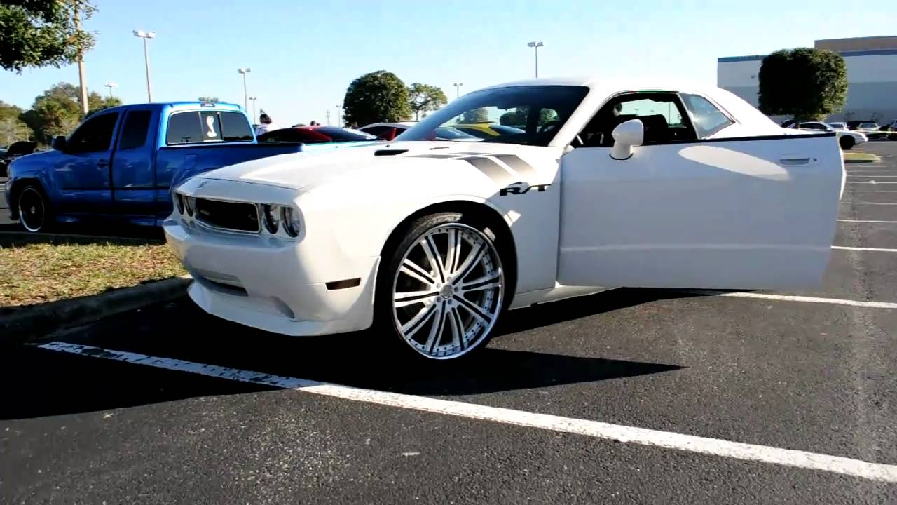 dodge challenger rt on 24s