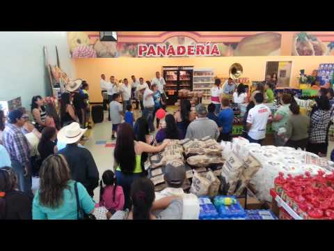 Garcias supermarket Kerman Gran Apertura 5/4/14
