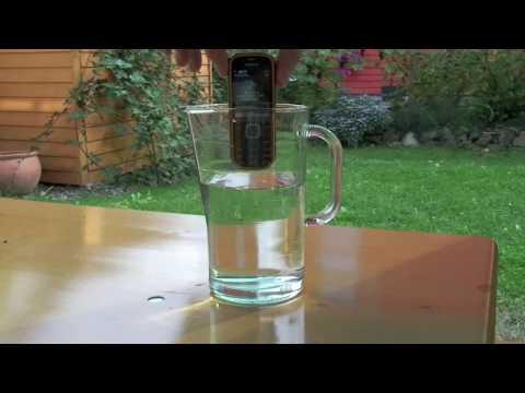 Nokia 3720 classic Wassertest