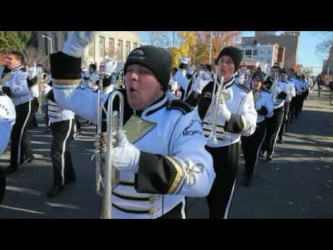 WMU marching band plays fight song at Kalamazoo Holiday Parade