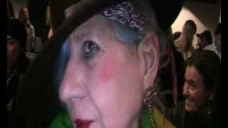 Intervista ad Anna Piaggi - Sfilata Krizia - MMD - www.fashiontimes.it
