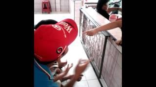 Download Video Bocah 9tahun vs orang dewasa MP3 3GP MP4