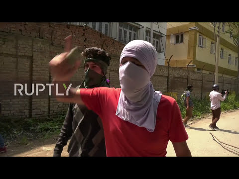 India: Police and protesters in running battles during latest Srinagar protest