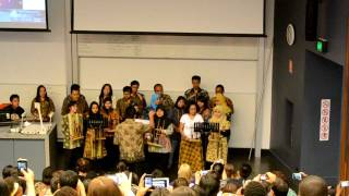 "Video Angklung ""Heal the World"" at the University of Queensland, Australia download MP3, 3GP, MP4, WEBM, AVI, FLV Maret 2017"