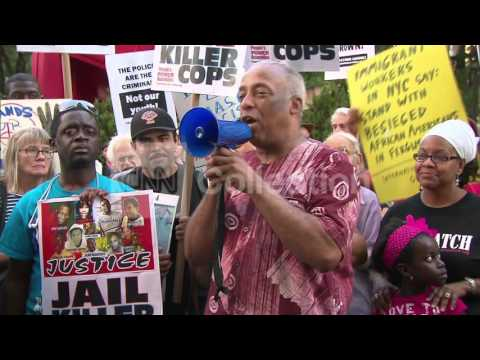 NY:FERGUSON SHOOTING-PROTESTERS GATHER IN NYC