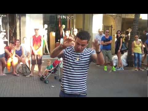 Diego balla il Pulcino Pio!