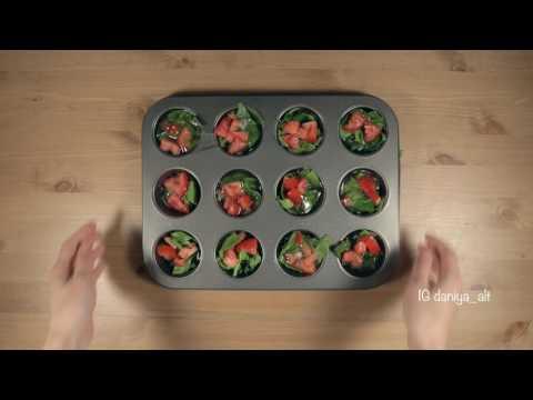 Шпинатом и помидорами