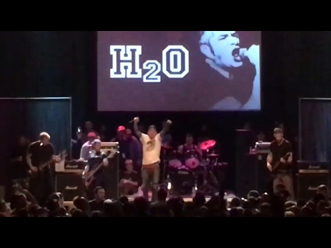 H2O (full set) @ Doing It For Dave memorial, Convention Hall- Asbury Park, NJ 4/2/17