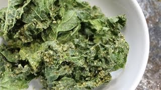 Raw Vegan Sour Cream & Dill Kale Chips