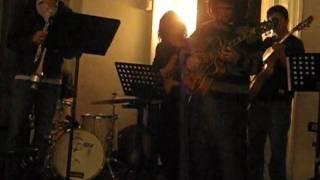Jazz Delivery - Columpio Lunar