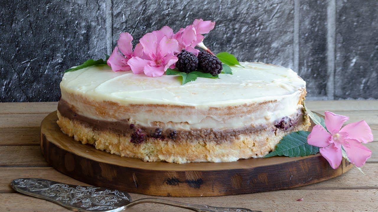 Çilekli Böğürtlenli Pasta Tarifi