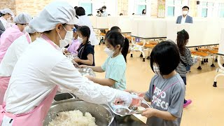 점심 식사 전 발열 체크…초등학교 3·4학년 첫 등교 / 연합뉴스TV (YonhapnewsTV)