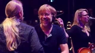 Tedeschi Trucks Band - mountain Jam  With Trey Anastasio