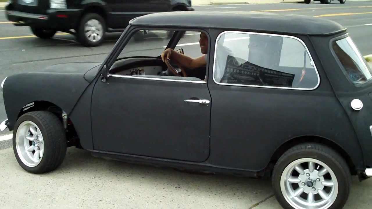 Austin Mini With B18 Vtec Swap, Burnout - YouTube
