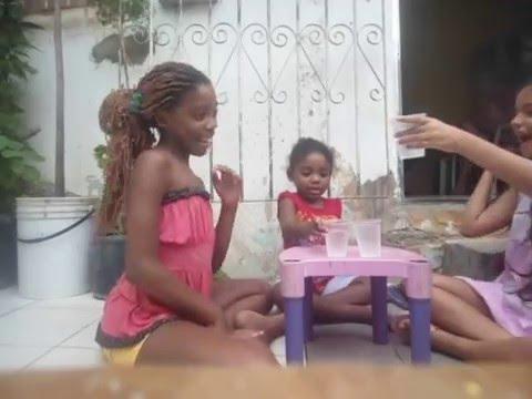 Desafio Da Água Na Cara com Minhas Amigas