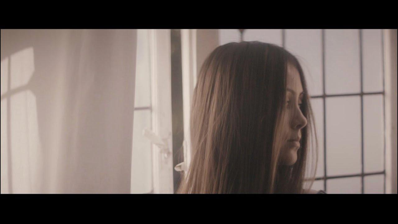 Jasmine Thompson - Adore [Acoustic] - YouTube