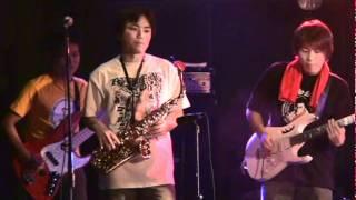 プロレステーマ曲専門バンド「MonkeyFlip」のライブ映像です。 佐々木健...
