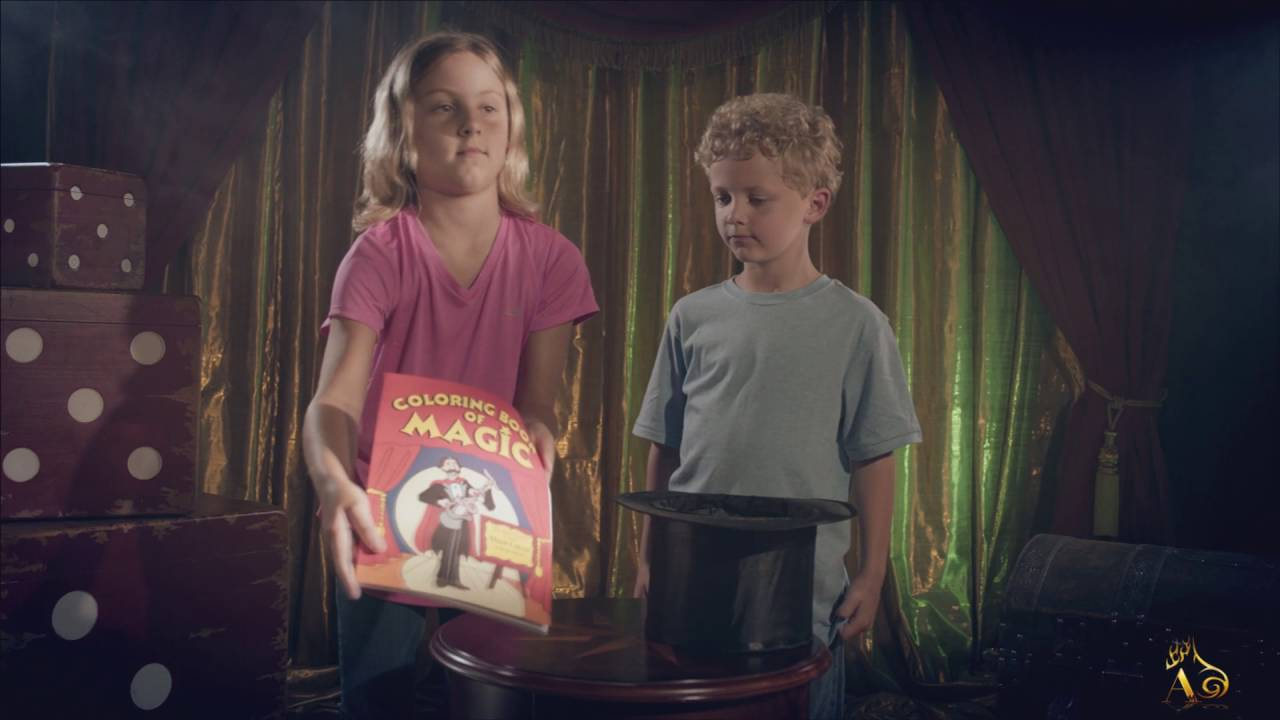 The magic coloring book trick - Color Changing Book Easy Magic Trick Magic Coloring Book By Magic Makers At Albericomagic Com