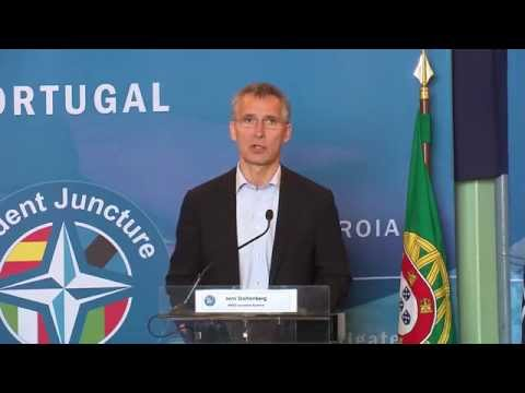 NATO Secretary General with Minister of Defence of Portugal, 5 NOV 2015