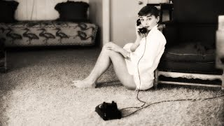 10 секретов красоты Одри Хепберн: самая красивая женщина ХХ века, последняя принцесса Голливуда(http://www.Cerdca.com/2014/09/10-sekretov-krasoty-odri-hepbern.html - Одри Хепберн - самая красивая женщина ХХ века (принцесса Голливуда,..., 2014-09-02T15:21:52.000Z)