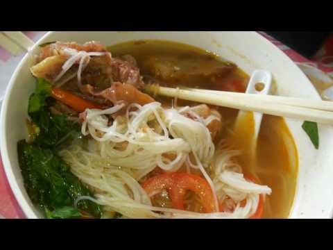 Cambodian Street Food - Must-Eat Cambodian Breakfast - Noodle In Cow Nail Soup