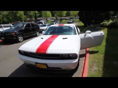 2014 Dodge Challenger Sxt White With Red Stripes