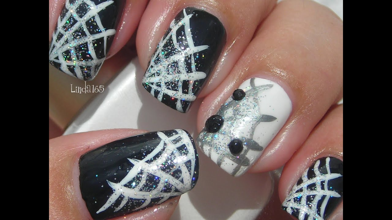 Halloween nail art bedazzled spiderweb decoracion de for Decoracion de halloween