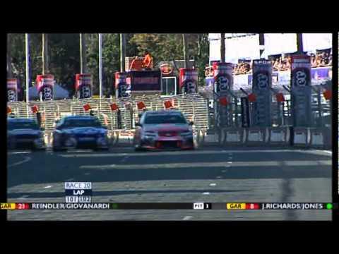 V8 Supercars 2010 Gold Coast 600 Race 2 last laps