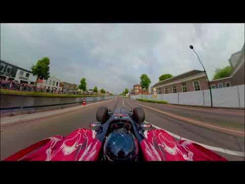 BOSS GP Toro Rosso V10 Schreeuwt En Drift Door De Straten Van Assen