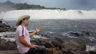 WILFREDO VEGAS EL INMIGRANTE (VÍDEO OFICIAL)