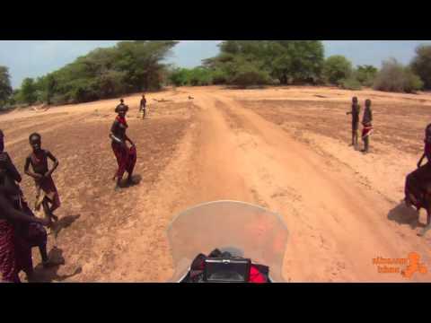 Afrika'da Kabilelerle Deve Cüce Oyunu (Gaming With Tribes in Africa)