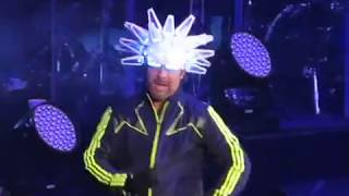 Jamiroquai @ Bill Graham Civic Auditorium San Francisco, CA 4/17/18 (FAN VIDEOS)