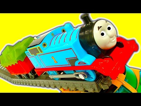 Super Fast Thomas The Tank Trackmaster Mod & Train Wreck Stunts Crashes