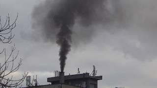 Czarny dym. Hotel na Ostrogu w Raciborzu. 19.01.2018 godz. 15.00