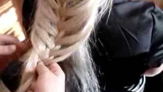 Плетение косичек на Magiakrasoti.ru(Плетение косичек сейчас очень актуально. Но чтобы коса выглядела шикарно, нужно ухаживать за своими волоса..., 2011-02-02T20:11:48.000Z)