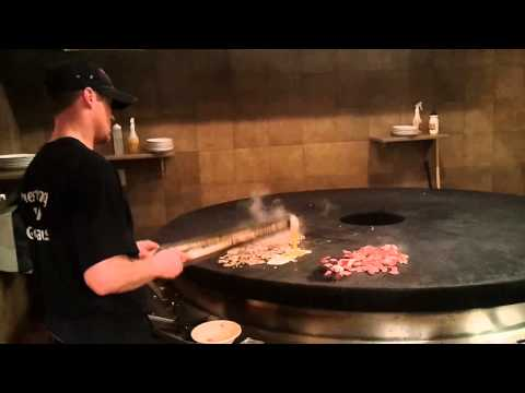 BD's Mongolian Grill Dancing Knife Tossing Chef
