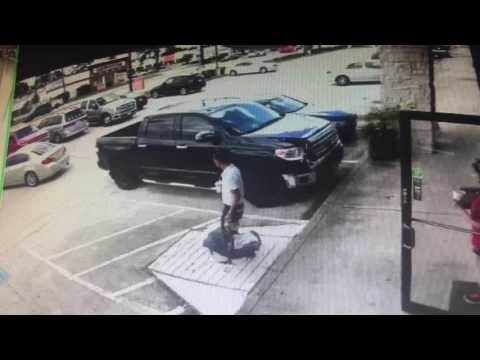 Car accident in parking lot in front of Restaurant