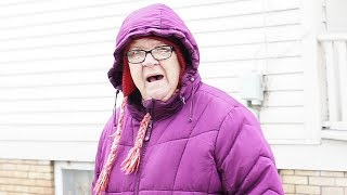 SNOW FIGHT WITH ANGRY GRANDMA!