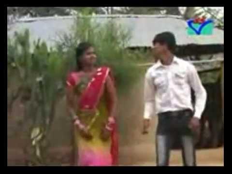 PURULIYA FOLK SONG / NEW MARIED SEXY  WIFE (BHABI) AND HUSBEND DANCE AT HOME / HOT SONG - 2014