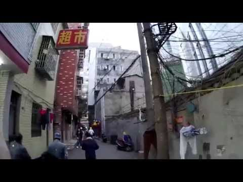 Chinese street walk: a clever business idea...