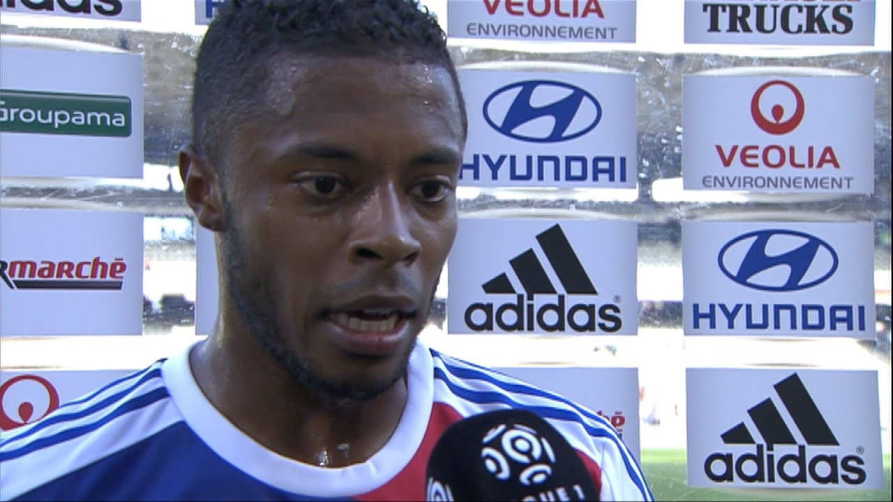 Interview de fin de match olympique lyonnais estac for Match estac