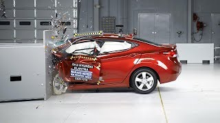 2013 Hyundai Elantra small overlap IIHS crash test