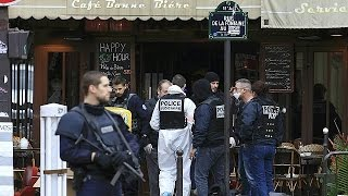 تحديد هوية ثلاثة مهاجمين فرنسيين في اعتداءات باريس والبحث عن مشتبه به هارب