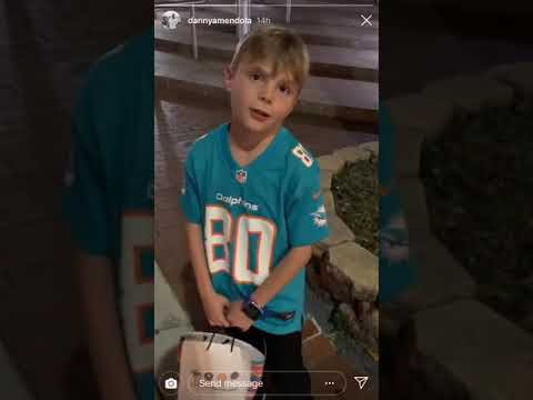 Miami Dolphins WR Danny Amendola surprises boy wearing his jersey