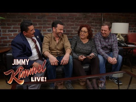 Download Youtube: Jimmy Kimmel Plays HQ Trivia with Aunt Chippy, Cousin Sal & Guillermo